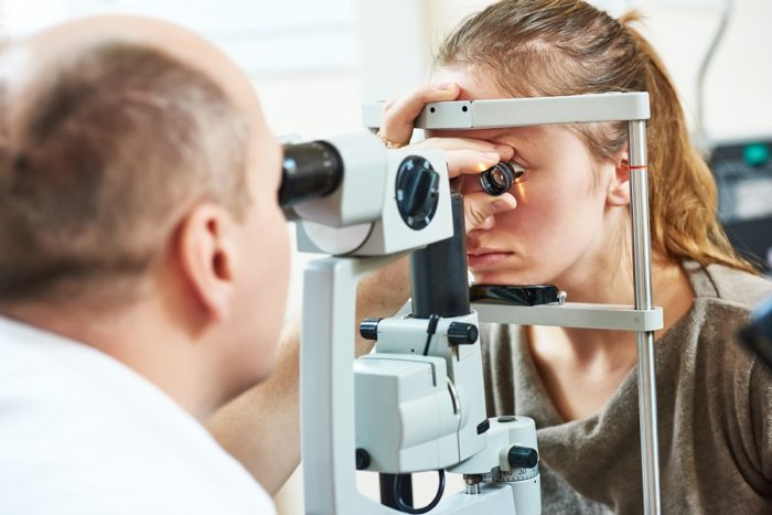 If You're Getting LASIK Eye Surgery Orange County, Select A Qualified Doctor