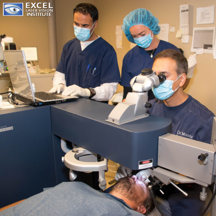 Correct-eye-floaters-with-the-help-of-lasik-surgeon-Orange-County